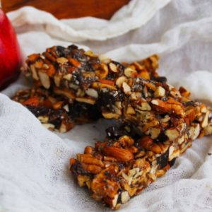 Apple Pie Fruit & Nut Bars