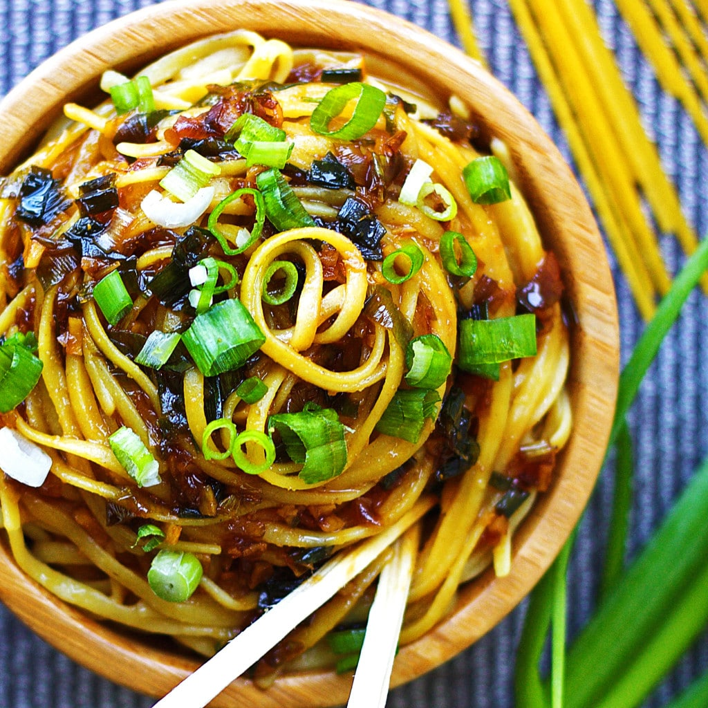 sticky garlic noodles taste just like the An's Famous Garlic Noodles ...