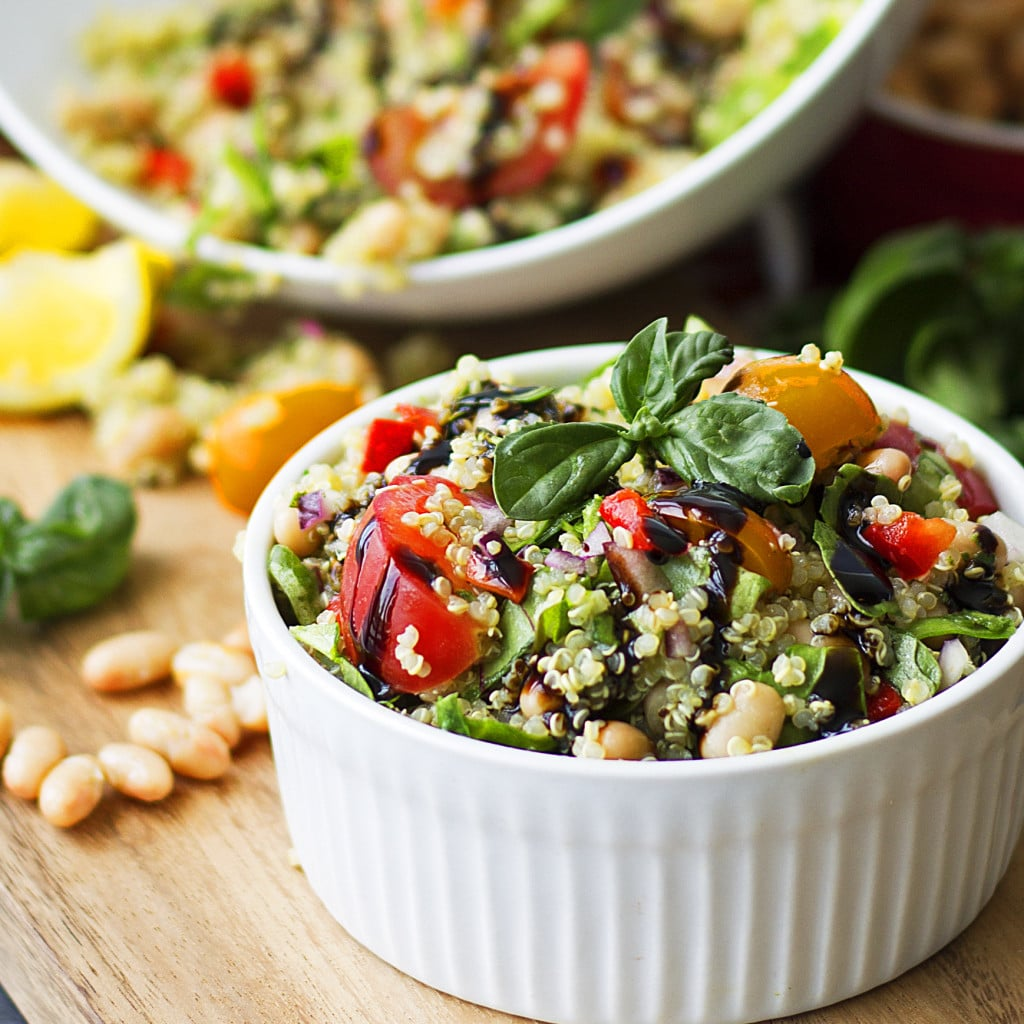 Tuscan white bean and quinoa salad healthy gluten free vegan this flavorful and fresh tuscan white bean and quinoa salad has the perfect balance of savory forumfinder Images