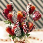 Marshmallow Chocolate Covered Strawberry Heart Bouquet with Pink Fluffy Dipping Sauce {VIDEO!}